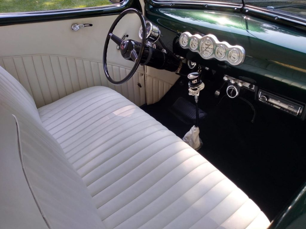 1946 Ford Custom white interior